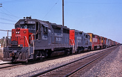 Sunset Route Mixed Bag (GRNDMND) Tags: california trains indio rockisland southernpacific gp35 sunsetroute