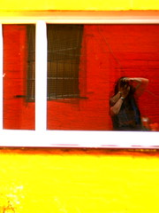Extra (indigo_girl) Tags: orange me window yellow wall glasgow framed frame mondrian extra oranje chromium