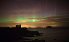 Rays of Light (Chee Seong) Tags: uk winter light storm reflection water canon coast scotland aurora rays northberwick bassrock northernlight geomagnetic canon24mmf14 5dm2