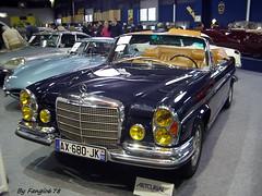 Mercedes Benz 280 SE Cabriolet 3.5 1971 (fangio678) Tags: paris classic cars de mercedes benz se 1971 voiture collection coche oldtimer salon 35 2012 ancienne 280 cabriolet fevrier youngtimer retromobile voituresanciennes allemande