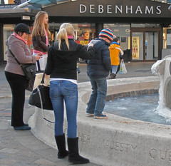 """Don't push me in!!"" (Jainbow) Tags: road boy fountain statue jubilee commercial portsmouth precinct debenhams jainbow"