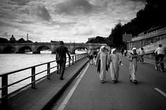 _MG_6257 (Blaka) Tags: puente arquitectura lugares urbana francia pars monjas religiosas