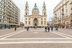 Saint Stephen Basilica, Budapest, Hungary. (Giuseppe Pipia) Tags: city travel art tourism church architecture canon square photography travels europa europe hungary cityscape arte basilica budapest wide wideangle tokina chiesa piazza traveling turismo canondslr viaggio architettura ungheria hungray travelphotography viaggiare 70d canonphotography canonphoto teamcanon tokina1116