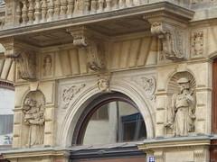 Decorations (m_artijn) Tags: decorations statue facade prague balcony na cz buidling prikope