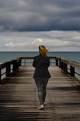 Una marea de pensamientos. (SegundoReal) Tags: sea mer verde girl azul muelle mar dock mujer nikon normandie soar normanda d7000