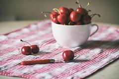 Une nature morte avec les cerises(Still life with cherries) (l'imagerie potique) Tags: red stilllife cherries naturemorte cerises poeticimagery lifeisabowlof limageriepotique