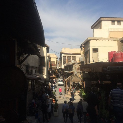 #دمشق #جمال_سوريا #صورة_سورية #دمشقيات #روح_الشام #حارات_الشام #Damascus #Syria #goldenhour #sun #sunshine #beutiful