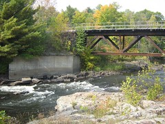 22 Septembre 2007 - 06 - Rivire (Patrick Limoges) Tags: waterfall quebec