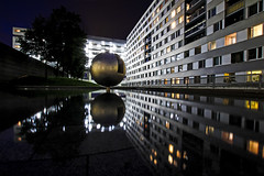 Bowl (C_MC_FL) Tags: vienna wien city longexposure urban reflection building art water architecture night canon photography eos austria dc sterreich construction wasser fotografie nacht kunst brunnen sigma bowl stadt architektur 1020mm 35 reflexion spiegelung gebude reflektion kugel langzeitbelichtung konstruktion stdtisch donaucity 60d