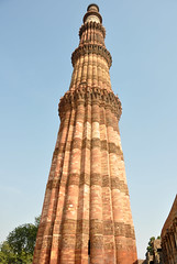 Qutb Minar single tower (jessolo) Tags: world new city india building brick tower stone carved site delhi indian tourist single afghan tall qutub minar tallest qutb qutab jessolo jessicasolomatenko 2012jessolo