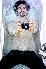 18/365(+1) (Luca Rossini) Tags: camera portrait color wet water self 35mm project sony voigtlander 100v10f suit bathtub zenit 365 f25 drowning skopar zenite voigtlandercolorskopar35mmf25 mmountadapter nex7 3651daysofnex7