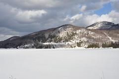 Vue Sur Le Lac Orford et Le Mont-Orford en Hiver. (Sandbanks Pro) Tags: park winter lake snow canada nature montagne quebec hiver lac mount national neige paysage mont parc montorford orford touristique