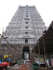 Tiruvannamalai, Arunachaleswar Temple (Arian Zwegers) Tags: india tower temple shiva tamilnadu hindutemple parvati gopuram tiruvannamalai agni templetower saivism 2011 gopura arunachaleswarar annamalaiyar annamalaihills trinomalee trinomali annamalaiyartemple arunachaleswartemple panchabhootastalas unnamulaiamman