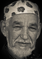 (Mohammed Almuzaini   ) Tags: camera old portrait man canon lens nikon flickr tag tags explore l usm f28 ef ftb  2470mm           jnadria