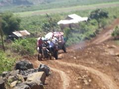ĐOẠN ĐƯỜNG VÔ ĐẾN ĐIỂM KHÁM (giangphuc1961@yahoo.com.vn) Tags: ea rbin xã lăk huyện đăklak tỉnh
