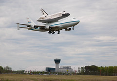 Shuttle Discovery Fly-Over (201204170015HQ) (NASA HQ PHOTO) Tags: usa virginia va sterling discovery spaceshuttle chantilly stevenfudvarhazycenter danepenland 747shuttlecarrieraircraftsca nasasmithsonianinstitution