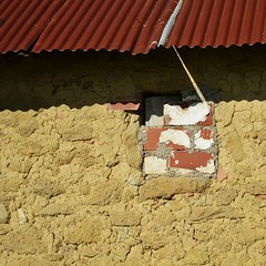 Built of many things (Tinina67) Tags: roof red brown house france brick chicken stone tin beige shed stall huhn tina sheet gers chock seissan tinina67