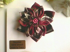 IMG1047A (rosyester) Tags: flowers handmade brooch fabric hairaccessory scarfclip