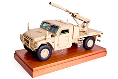 07_Mack_Truck_w_105_Hawkee_Howitzer-military_scale_model (Gamla Model Makers) Tags: show scale truck army marketing model gun military exhibit replica vehicle artillery hawkeye 105 mack trade howitzer