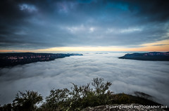 Sublime Misty Sunrise 1 (Gary Hayes) Tags: mist point sydney australia bluemountains waterfalls valley sublime jamison wentworthfalls sublimepoint valleyofthewaters