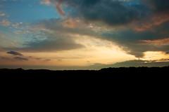 Lumire crpusculaire (Pascalala) Tags: sunset sky cloud soleil coucher ciel nuage
