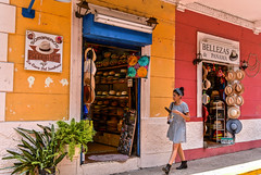 Panama - House of Hats (Explored - May 20, 2016 #416) (marionchantal) Tags: street travel hat shop shopping hats explore souvenir shops sombrero panama centralamerica sombreros cascoviejo panamahat explored 180300mm nikond7200 lacasadelsombrero