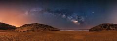 La cala de las galaxias (Fran Valera) Tags: via murcia astrofotografia estrellas nocturna calas cala fotografía dorada víaláctea calblanque plyas