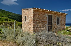 Beautiful South (Kai Beinert) Tags: barn scheune landscape landschaft spain mallorca mediterran balearen balear