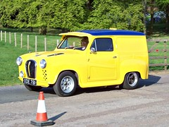 33 Austin A35 Van (1957) (Modified) (robertknight16) Tags: austin 1950s 1960s van bmc 194570 xde781
