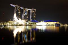 Marina Bay Sands (maxunterwegs) Tags: reflection night noche singapore nacht esplanade noite singapour nuit singapur singapura mbs marinabay marinapromenade marinabaysands