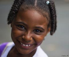 Pmela (F o t o l i t a) Tags: smile brasil child nia linda bahia salvador guria garota sorriso criana menina baiana fille negra ragazza sonresa
