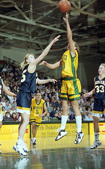 Womens Basketball vs. Augustana - 1999