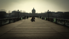 Blurred Paris - Rolling get Pushed (AKfoto.fr) Tags: paris canon blurred flou 550d tamron1750 t2i getpushed rollingchallenge