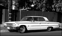 Ford Galaxy 500 XL (greenthumb_38) Tags: california blackandwhite bw ford hardtop sedan blackwhite whitewalls galaxy duotone 500 orangecounty anaheim galaxie 1963 500xl fourdoor fourdoorsedan jeffreybass canong11