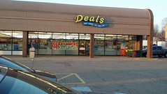 Deals Dollar Store Closing Sale (DTP9N) Tags: plaza ohio store harvest dollar deal closing akron deals
