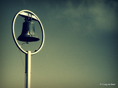 A bell feared - Dunedin, Otago, New Zealand (craigdebeer) Tags: sea newzealand sky bell otago sharks