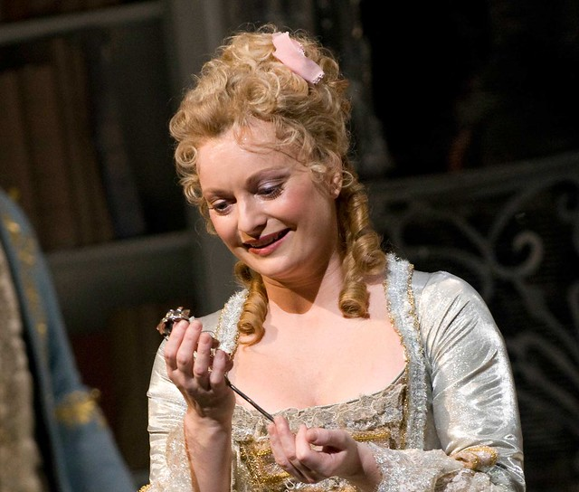 Lucy Crowe in Der Rosenkavalier © Mike Hoban/ROH 2012