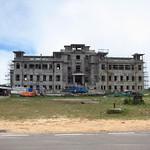 "Bokor Palace Hotel <a style=""margin-left:10px; font-size:0.8em;"" href=""http://www.flickr.com/photos/14315427@N00/7115155329/"" target=""_blank"">@flickr</a>"