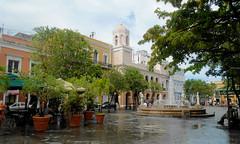 San Juan - Plaza de Armas (roger4336) Tags: fountain oldsanjuan puertorico cityhall sanjuan rathaus 2012 plazadearmas alcaldia