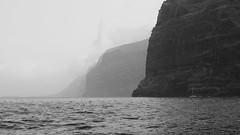Gigantes (Francisco Chornet) Tags: mar sony bn tenerife canaryislands brilliant acantilado islascanarias losgigantes monocromtica tamron1750 sonystas
