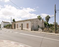 S'Aranjassa, 2016. (Mateu Isern Suer) Tags: urban house home architecture canon landscape arquitectura village mallorca canon1ds hopperesque canon1740