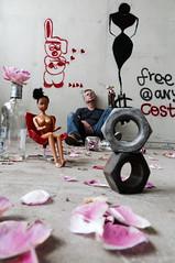 Midlife crises (YadelAir) Tags: roses alcool crises crise quarantaine milieudevie