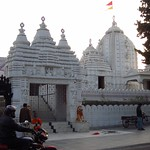 "South Indian Temple <a style=""margin-left:10px; font-size:0.8em;"" href=""http://www.flickr.com/photos/14315427@N00/6778520376/"" target=""_blank"">@flickr</a>"