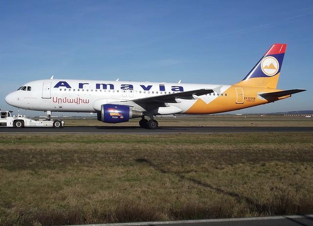 EK-32008, A320-211, C/N 229, Armavia, CDG/LFPG, 01/2011