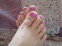 (Tellerite) Tags: feet toes barefeet beautifulfeet prettytoes sexytoes toenailpolish sweetfeet prettyfeet sexyfeet girlsfeet femalefeet pinktoenailpolish teenfeet femaletoes candidfeet beautifultoes polishedtoenails baretoes girlstoes girlsbarefeet teentoes girlsbarefoot youngfemalefeet candidtoes youngfemaletoes