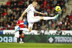 Mallorca vs Real Madrid (Kwmrm93) Tags: sports sport canon football jump spain fussball soccer futbol futebol fotball ftbol voetbal fodbold calcio deportivo fotboll pika  deportiva esport fusball  fotbal jalkapallo   nona nogomet   fudbal   benzema   votebol fodbal