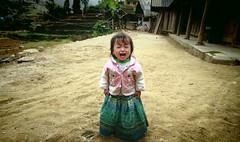 0333 Flower Hmong People  (Kaz.MO) Tags: life travel family portrait mountain flower beautiful beauty canon wonder asian eos vimeo asia dress live group hills vietnam 7d mon cloth  tribe miao ethnic minority backpacker  frontier sapa hmong mong  cuty  bacha     northvietnam familylove   simacai  hmng earthasia