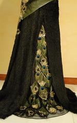 ٥- فستان زيتي رييش الطاووس (Elegant Dresses) Tags: و فستان زيتي الطاووس ٥ رييش
