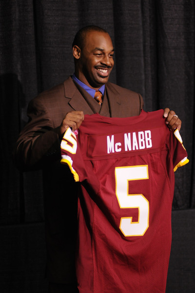 NFL: APR 06 DONOVAN MCNABB Press Conference