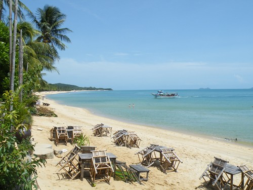 Waiting for the sunset rush, Mae Nam Beach, Ko Samui, Thailand